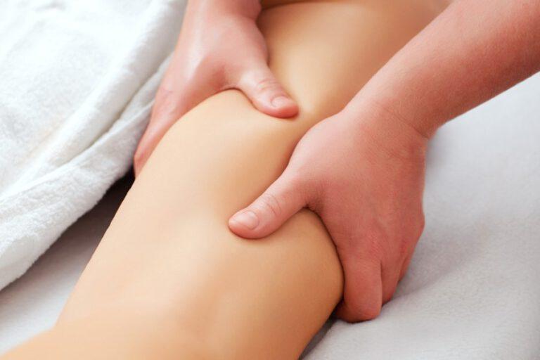 pacjent podczas masażu limfatycznego